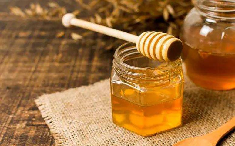 喝蜂蜜水助消化图片