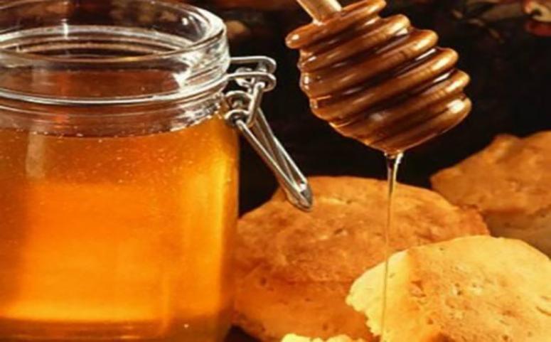 蜂产品蜂蜜加面包图片