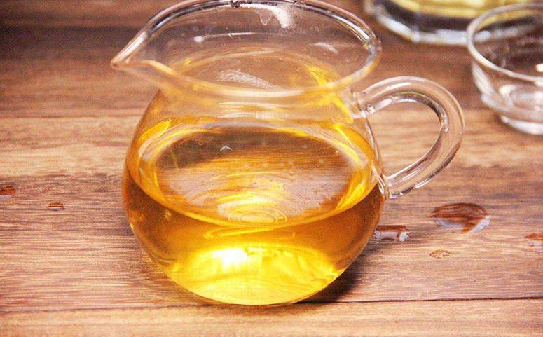晚上喝蜂蜜水美容养颜的图片