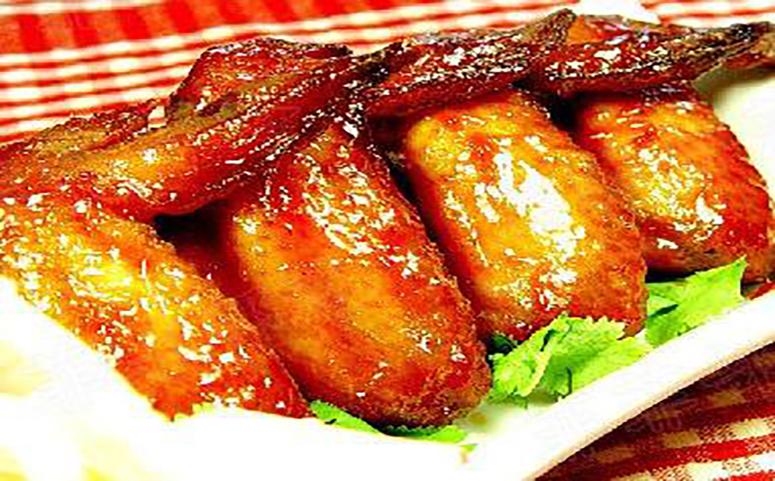 蜜汁烤鸡翅成品图片