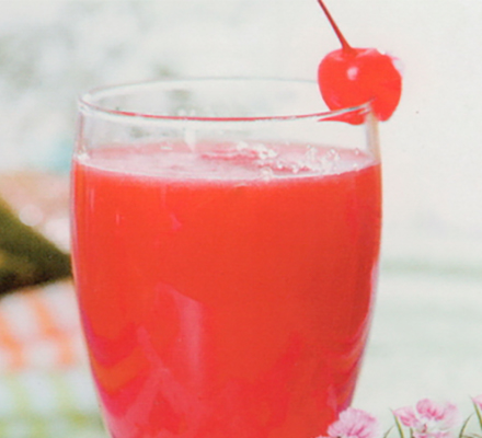 杈杷果草莓汁图片