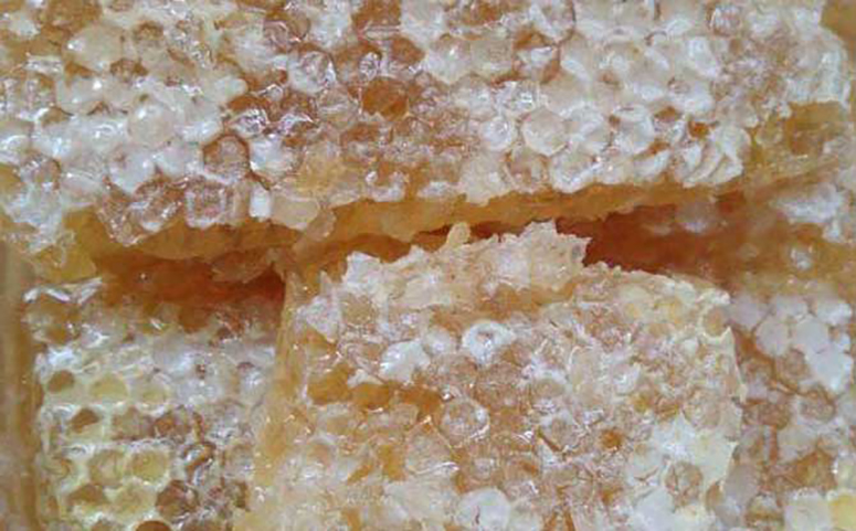 蜂巢蜜糖浆造假图片