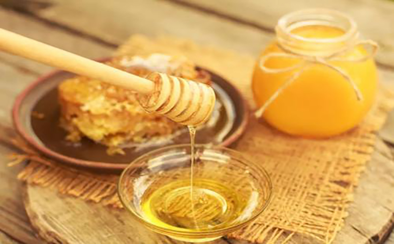 喝蜂蜜水解渴吗图片