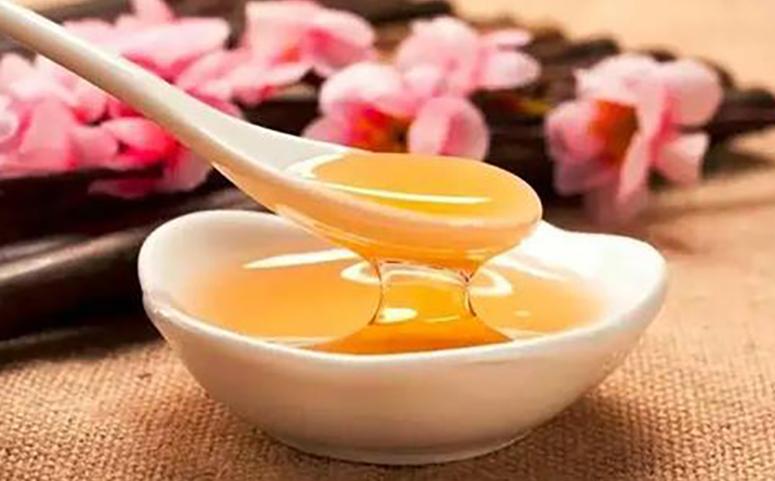 油菜花蜂蜜图片